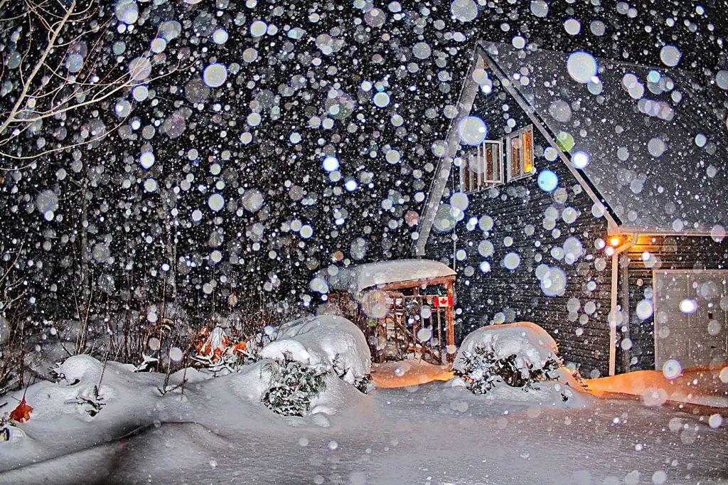 Viel Schnee und Eis im Winter.