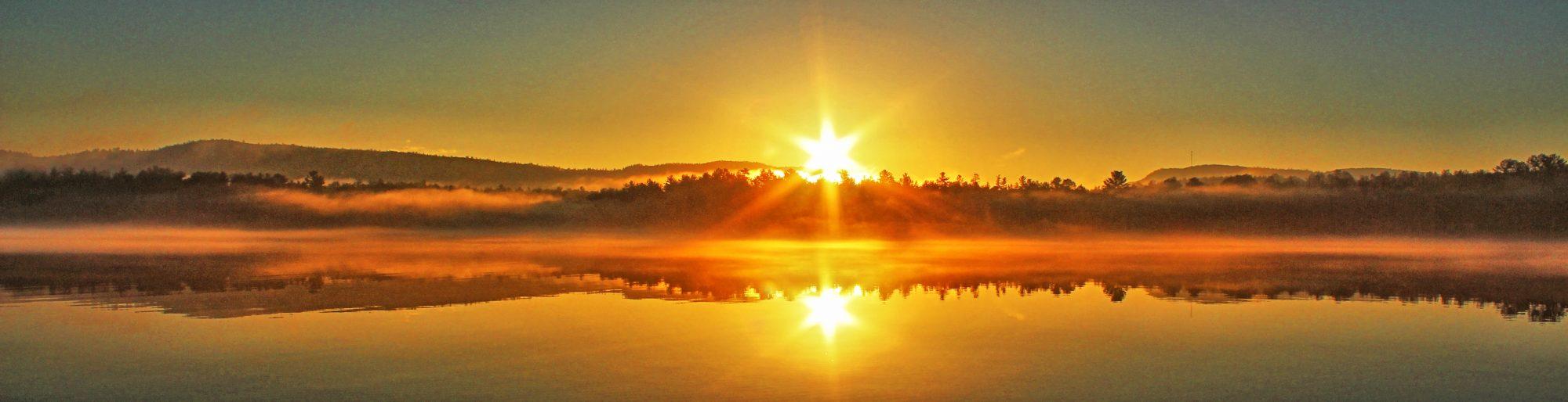Sonnenaufgangauf den Rundreisen in Ost Kanada
